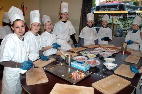 Editiepajot sint pieters leeuw met de klas op restaurant - Tafel leeuw ...