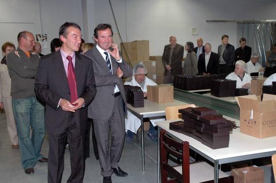 Editiepajot   HALLE   Vice premier Van Ackere opende vernieuwde beschutte werkplaats De Floere