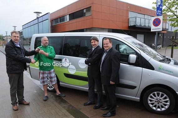 Editiepajot gooik g sport pajottenland kreeg nieuwe wagen for Garage fiat paris 17