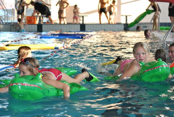 Editiepajot liedekerke de morgenstond heeft zwembad in de mond - Zwembad omgeving ...