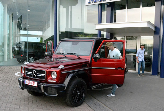 photo of Kevin de Bruyne Mercedes - car