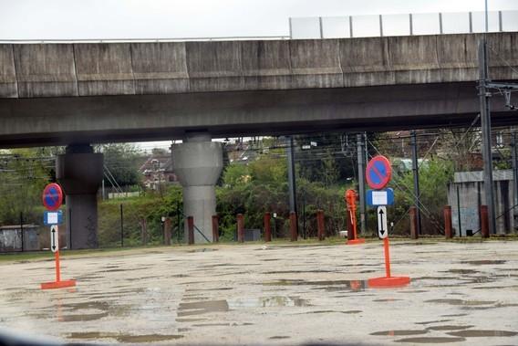 Editiepajot halle start aanleg stedelijk plein rond het zwembad parking achter molens - Ontwikkeling rond het zwembad ...
