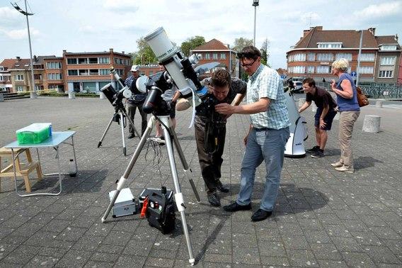 Editiepajot transit van planeet mercurius voor de zon stationsplein halle - Doek voor de zon ...