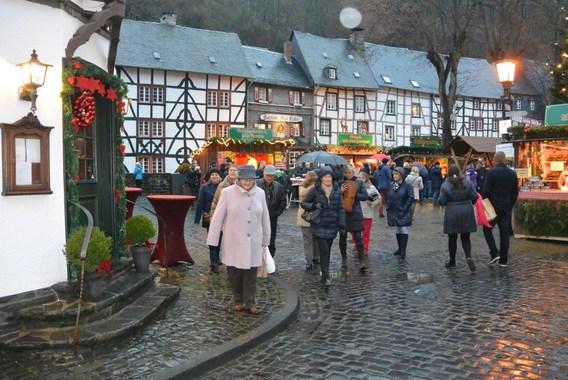 editiepajot : herne – senioren verkennen wereldberoemde kerstmarkt